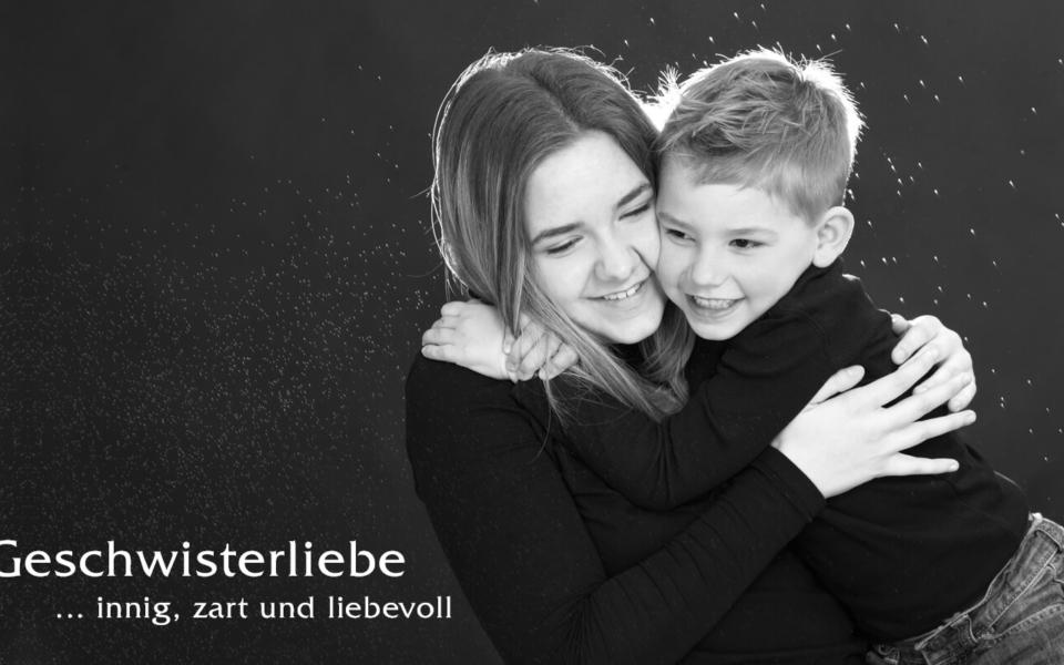 Familienshooting, Geschwisterliebe ... innig und liebevoll im trendsetter Fotostudio Chemnitz
