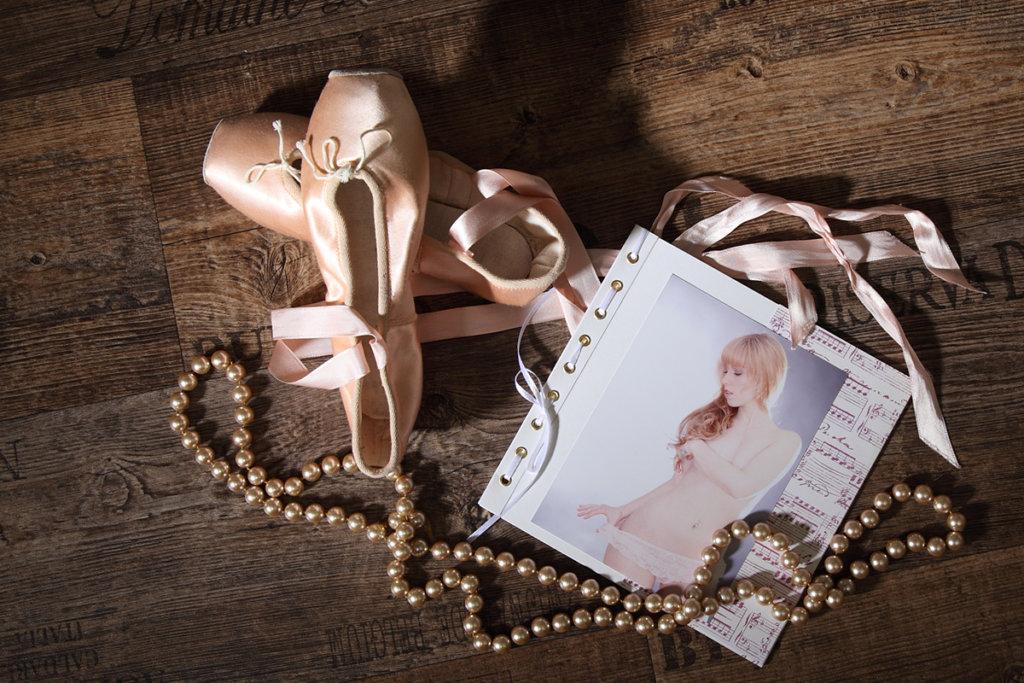 Das erotische Brautshooting im trendsetter Studio. Ein Erotikbuch von der Braut für den Bräutigam in der Hochzeitsnacht.