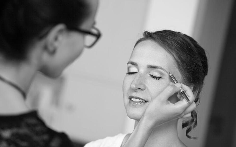 Bewerbungsfotos mit Make-up bieten wir immer dienstags im trendsetter Fotostudio an