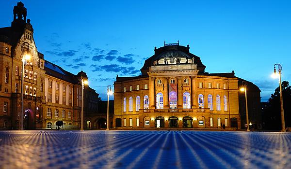 Treff für unseren trendsetter Outsoorfotokurs ist der Chemnitzer Opernplatz