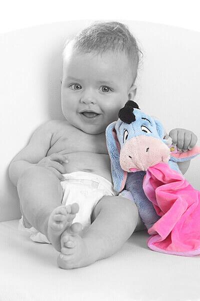 Babyfotos sind Erinnerungen an die Zeit nach der Geburt, Baby sind so einmalig, so zerbrechlich und so zart, halten Sie diese Momente in einmaligen Fotos fest.
