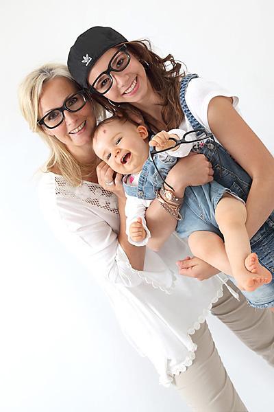Familienshooting mit verschiedenen Einstellungen wie hier nur die Mädels auf einem Foto.