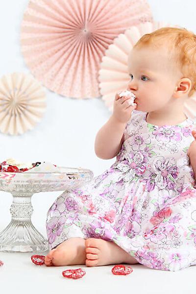 Ein Tortenshooting zum 1. Geburtstag ist für Kinder ein Traum und für Eltern die schönsten Fotos des Kindes.