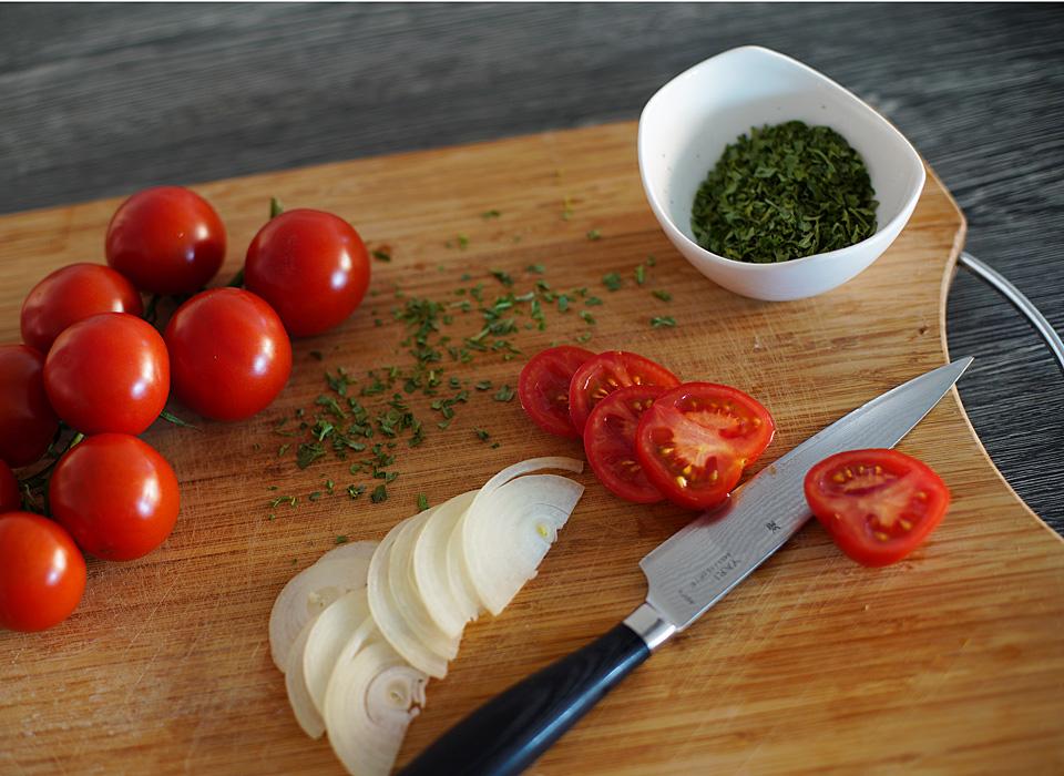 Fototipp für die heimische Küche. Wenn wir nicht mehr essen gehen können, wollen wir die Anderen an unserem Essen teilhaben lassen.